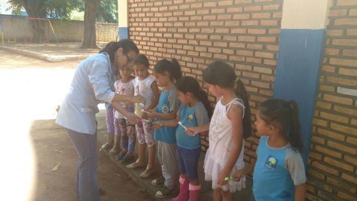 Alunos da EM Arco-Íris recebem atividades educativas de saúde