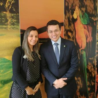 Prefeita Esteve em Brasilia, DF em busca de recursos federais.